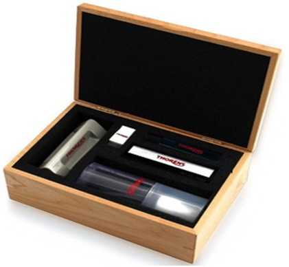 Коплект для ухода за пластинками и проигрывателями: Thorens Cleaning Set in Wooden Box -